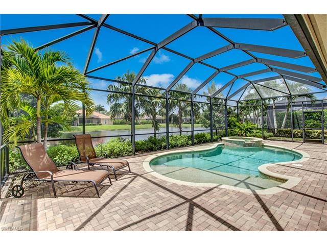 302 Saddlebrook Ln, Naples, FL 34110