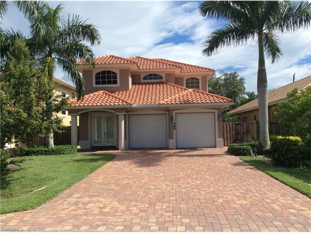 586 110th Ave N, Naples, FL 34108
