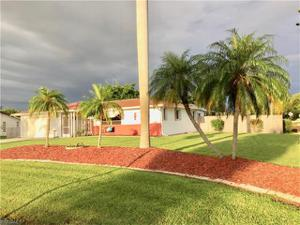 390 Valley Dr, Bonita Springs, FL 34134