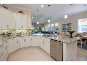 7161 Dominica Dr, Naples, FL 34113