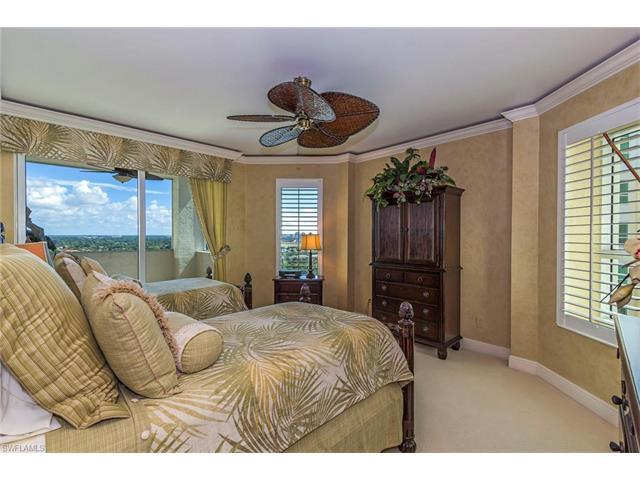 285 Grande Way 1605, Naples, FL 34110