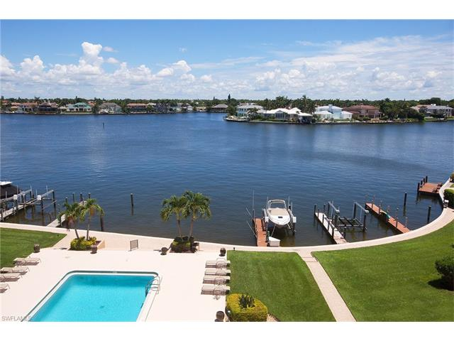 3430 Gulf Shore Blvd N 5d, Naples, FL 34103