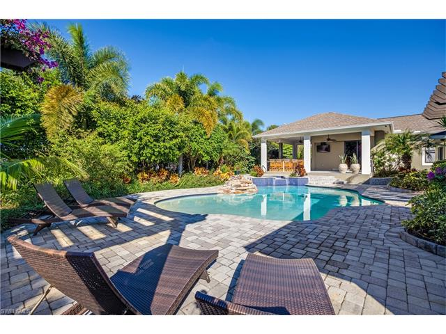 1555 Crayton Rd, Naples, FL 34102