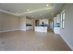1440 Redona Way, Naples, FL 34113