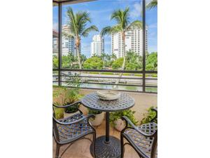 4400 Gulf Shore Blvd N 2-204, Naples, FL 34103