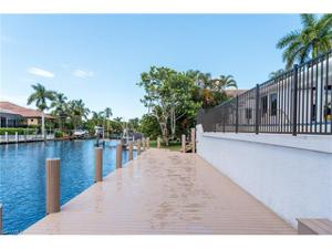 656 17th Ave S, Naples, FL 34102