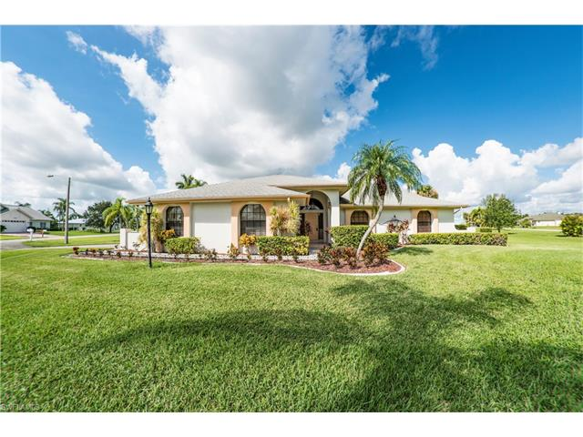 17181 Waters Edge Cir, North Fort Myers, FL 33917