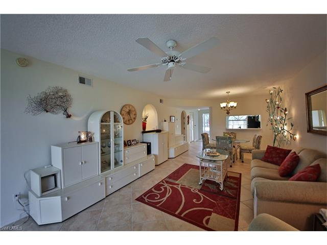 269 Deerwood Cir 9, Naples, FL 34113