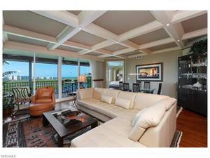 425 Cove Towers Dr 1503, Naples, FL 34110