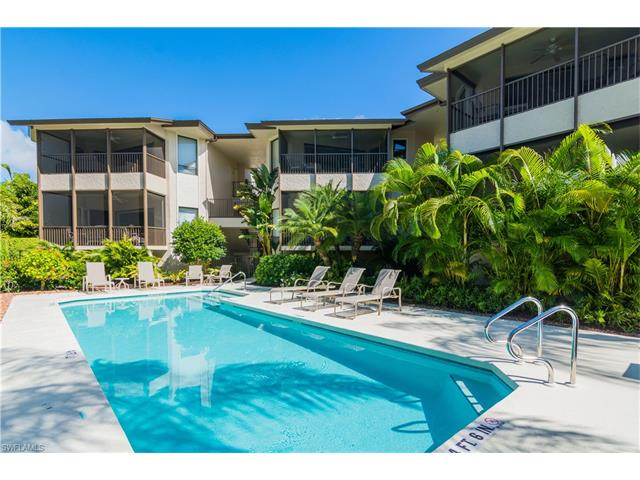 663 10th Ave S B-663, Naples, FL 34102
