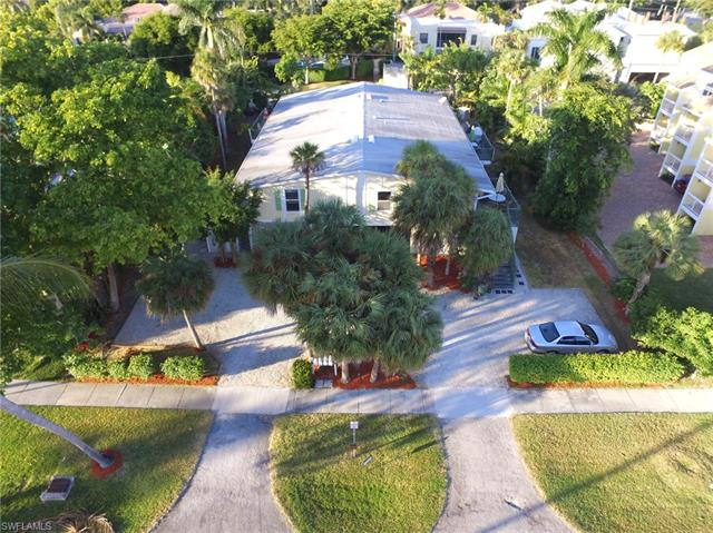 835 11th Ave S, Naples, FL 34102