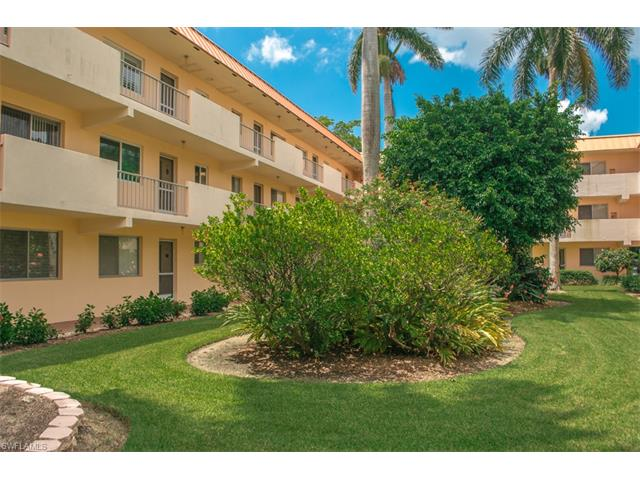 1100 Gulf Shore Blvd N 106, Naples, FL 34102