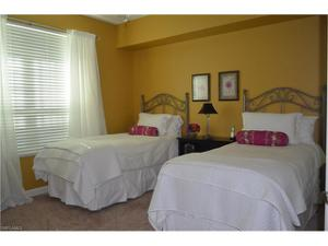 325 Dunes Blvd 202, Naples, FL 34110