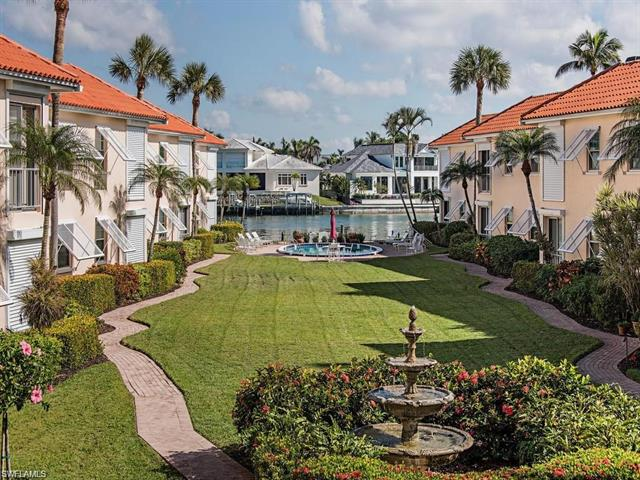 3070 Gulf Shore Blvd N 208, Naples, FL 34103