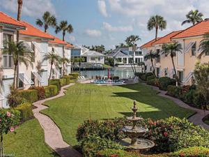 3070 Gulf Shore Blvd N 208, Naples, FL 34103