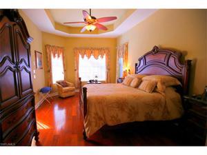 8260 Potomac Ln, Naples, FL 34104