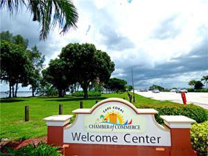 2971 Sunset Pointe Cir, Cape Coral, FL 33914