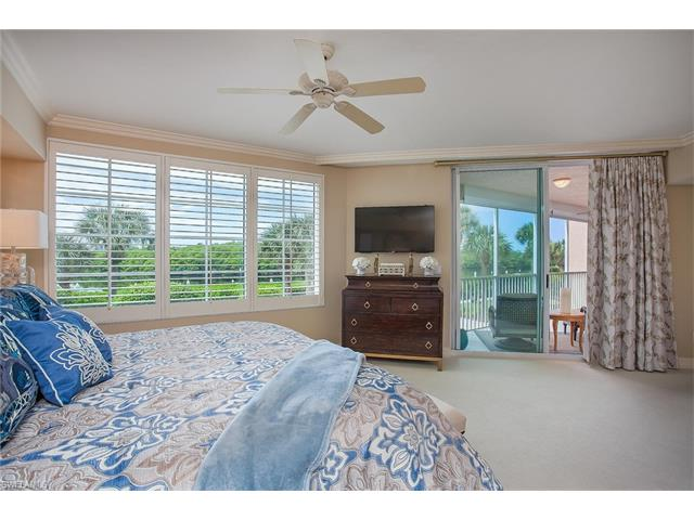 425 Dockside Dr 202, Naples, FL 34110