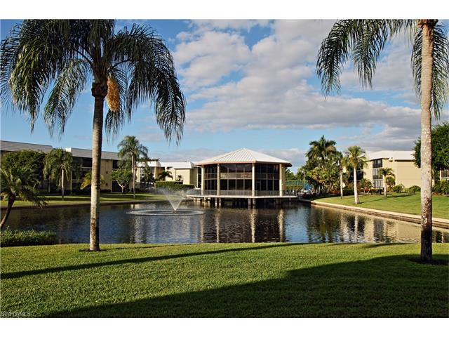 788 Park Shore Dr D35, Naples, FL 34103
