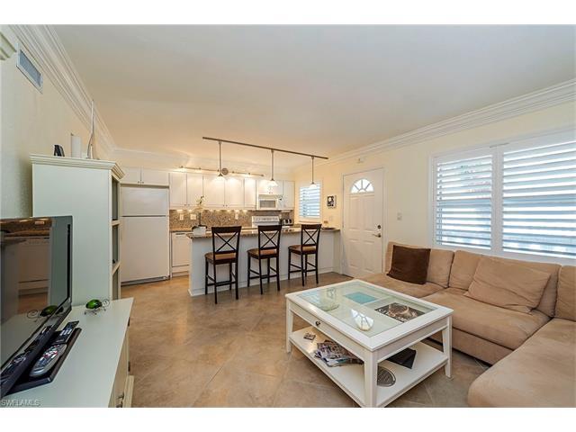 980 7th Ave S 201, Naples, FL 34102