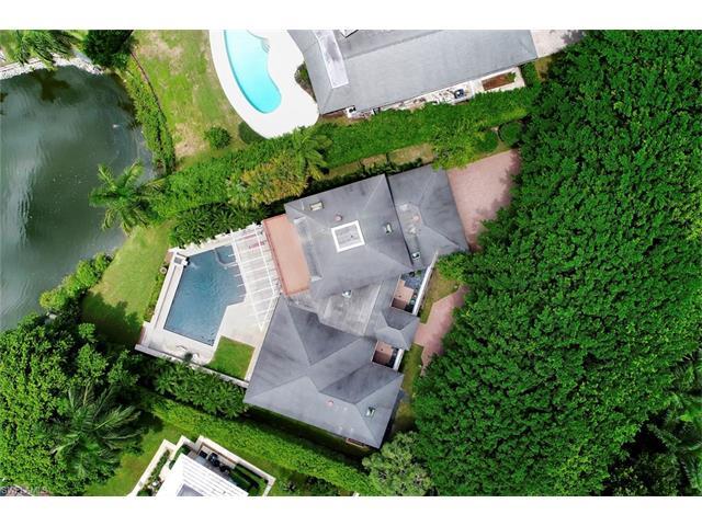 2680 Lantern Ln, Naples, FL 34102