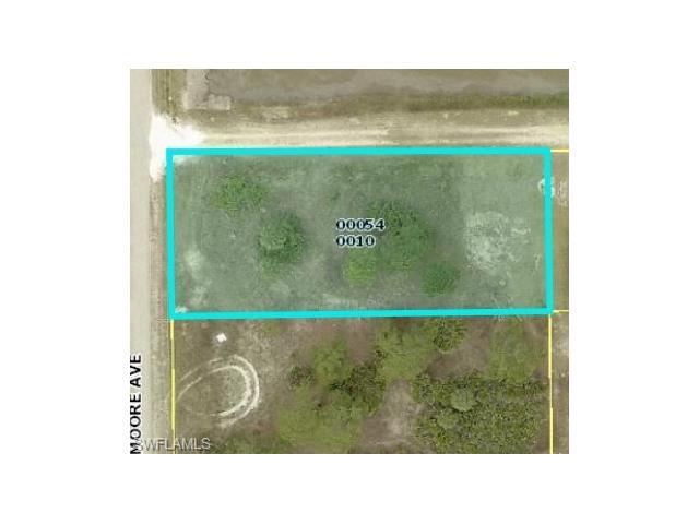 324 Moore Ave, Lehigh Acres, FL 33936