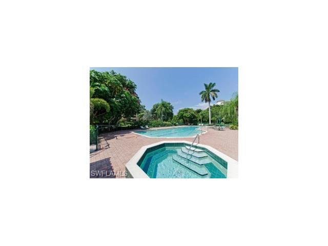621 La Peninsula Blvd 621, Naples, FL 34113