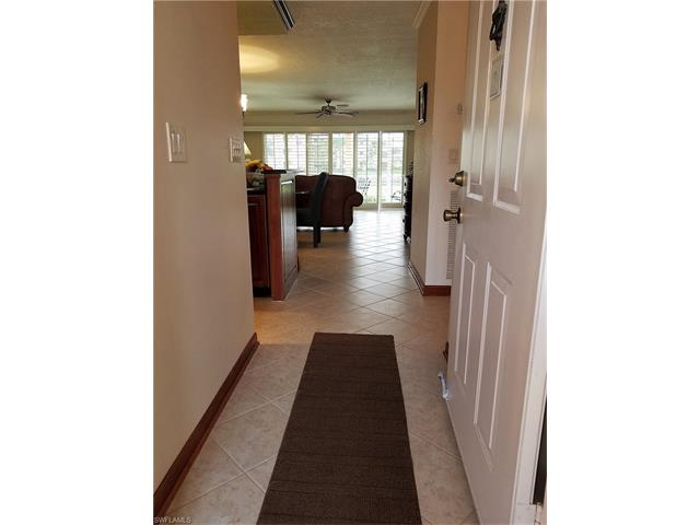 940 Woodshire Ln M9, Naples, FL 34105