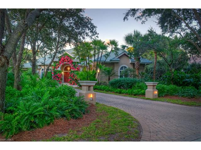 933 Barcarmil Way, Naples, FL 34110