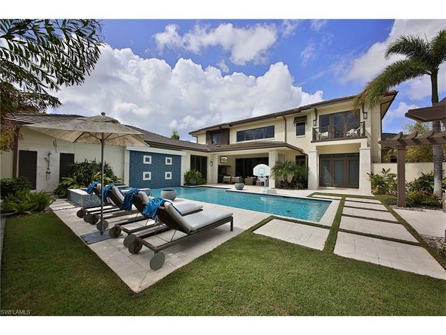 3400 Crayton Rd, Naples, FL 34103