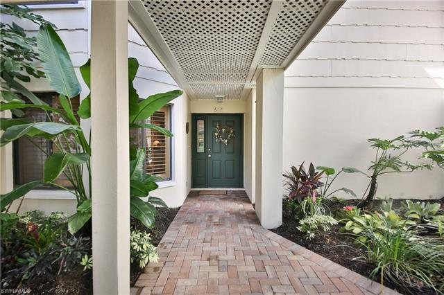 602 Courtside Dr F-102, Naples, FL 34105