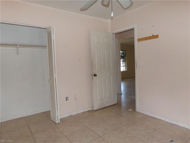 1063 Robat Ter Nw, Port Charlotte, FL 33948