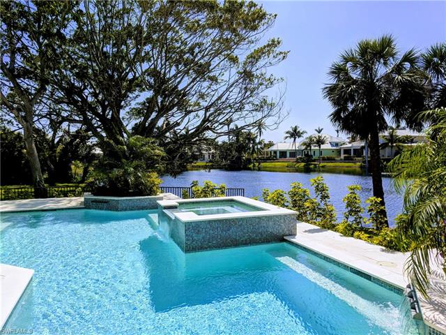 660 East Lake Dr, Naples, FL 34102
