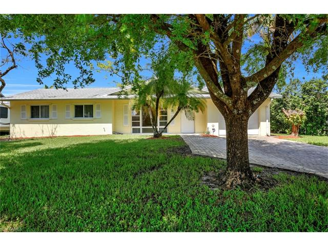 229 Willowick Dr, Naples, FL 34110