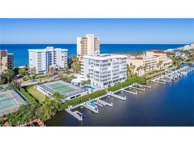 9790 Gulf Shore Dr 105, Naples, FL 34108