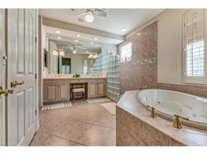 2870 Castillo Ct 103, Naples, FL 34109