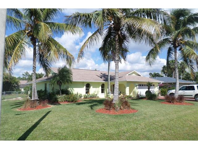 203 Erie Dr, Naples, FL 34110