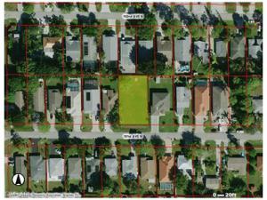 829 101st Ave N, Naples, FL 34108