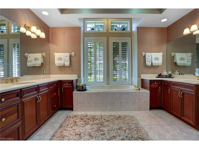 25052 Ridge Oak Dr, Bonita Springs, FL 34134