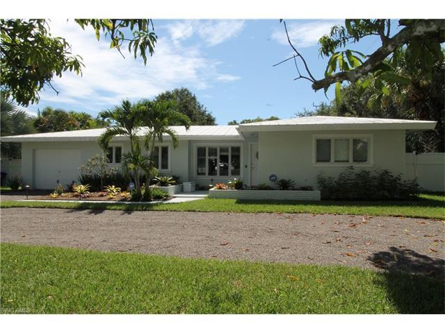 1755 Alamanda Dr, Naples, FL 34102