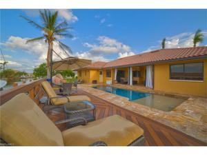 822 Magnolia Ct, Marco Island, FL 34145