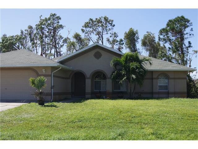 18004 Phlox Dr, Fort Myers, FL 33967