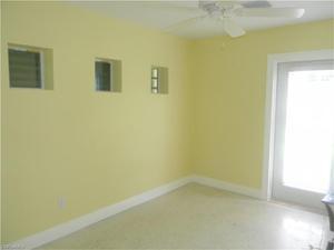 654 111th Ave N, Naples, FL 34108