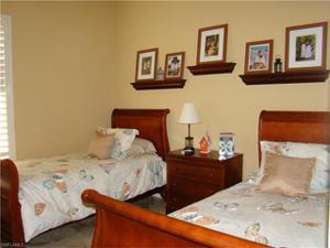 15922 Los Olivos Ln, Naples, FL 34110