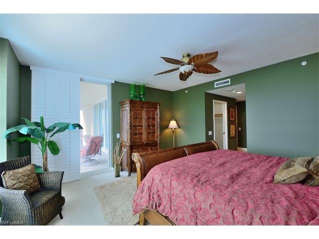445 Cove Tower Dr 803, Naples, FL 34110
