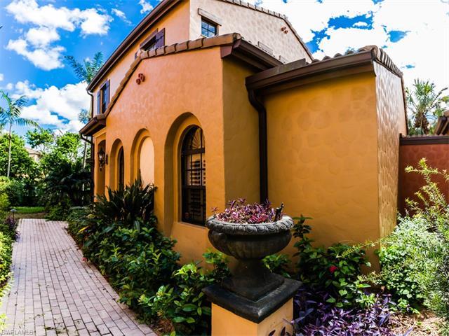 9080 Chula Vista St 104-6, Naples, FL 34113