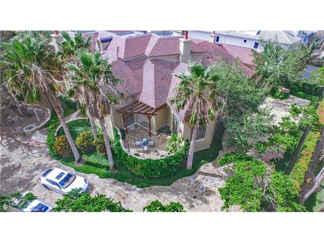 3200 Gordon Dr, Naples, FL 34102