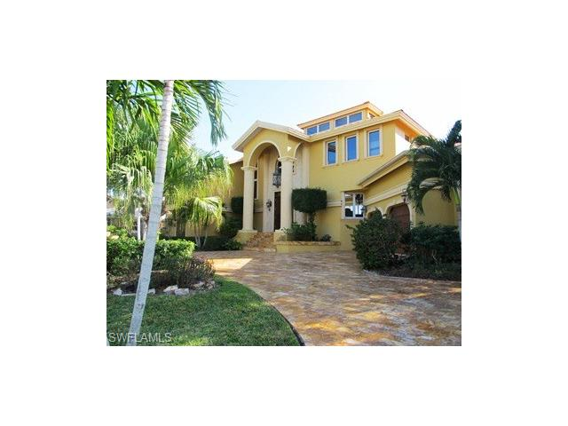 152 Conners Ave, Naples, FL 34108