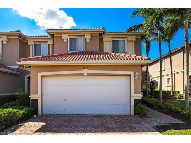 9835 Roundstone Cir, Fort Myers, FL 33967