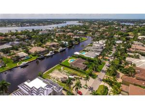 1925 6th St S, Naples, FL 34102